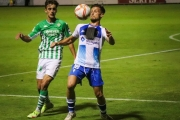 Un penalti injusto en el minuto 90 derrota al Betis Deportivo en Alcoyano, con Manu Morillo de titular