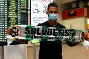 Willian José aterriza en Sevilla para firmar con el Real Betis